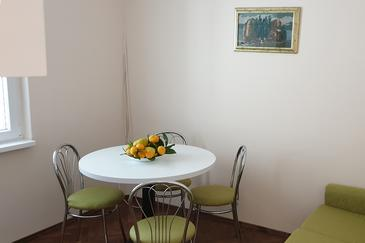 Hvar, Dining room in the apartment, (pet friendly) and WiFi.