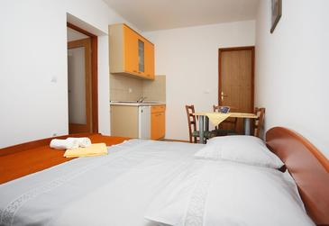 Mlini, Kitchen in the studio-apartment, (pet friendly) and WiFi.