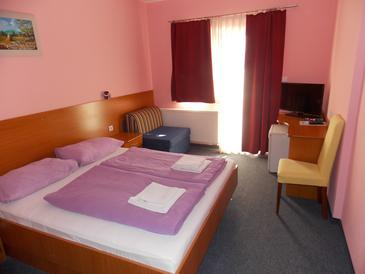 Oroslavje, Bedroom in the room, air condition available, (pet friendly) and WiFi.