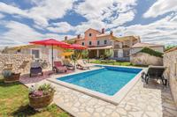 Family friendly house with a swimming pool Gajana (Fažana) - 15385