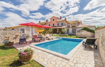 Gajana, Fažana, Property 15385 - Vacation Rentals with pebble beach.