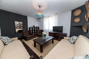 Novi Vinodolski, Гостиная в размещении типа house, доступный кондиционер и WiFi.