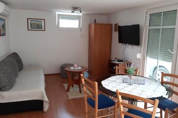 Čižići, Obývací pokoj v ubytování typu apartment, s klimatizací a WiFi.