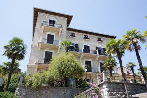 Apartments with a parking space Lovran (Opatija) - 15424
