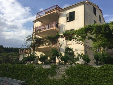 Podstrana, Split, Объект 15428 - Апартаменты вблизи моря с галечным пляжем.