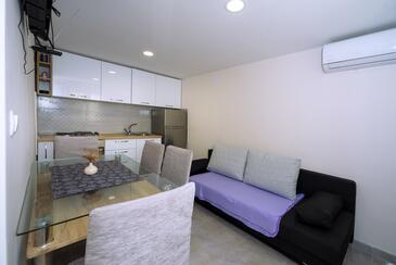 Kaštel Sućurac, Obývací pokoj v ubytování typu apartment, klimatizácia k dispozícii a WiFi.