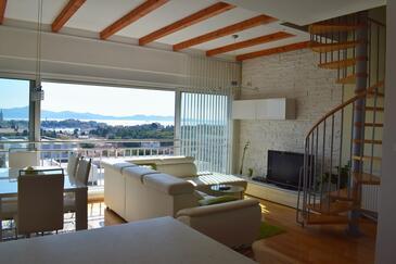 Zadar, Гостиная 1 в размещении типа apartment, Домашние животные допускаются и WiFi.