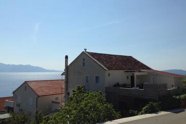 Brist, Makarska, Property 15443 - Apartments near sea with pebble beach.