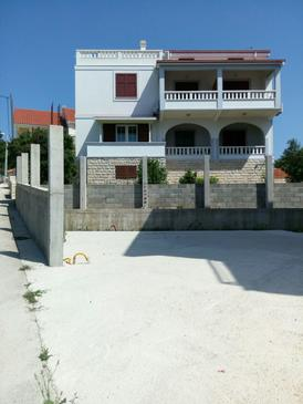 Maslinica, Šolta, Property 15448 - Apartments near sea with pebble beach.