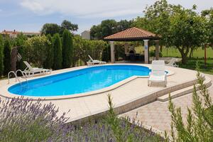 Family friendly apartments with a swimming pool Valtura (Pula) - 15450