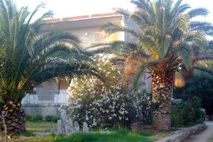 Apartments with a parking space Banjol (Rab) - 15463