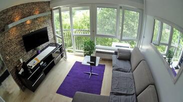 Zagreb, Living room in the studio-apartment, dopusteni kucni ljubimci i WIFI.