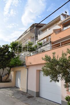 Podstrana, Split, Property 15478 - Apartments with pebble beach.