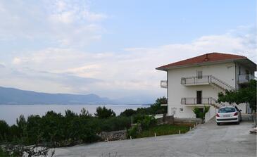 Slatine, Čiovo, Objekt 15504 - Ubytování v blízkosti moře s oblázkovou pláží.