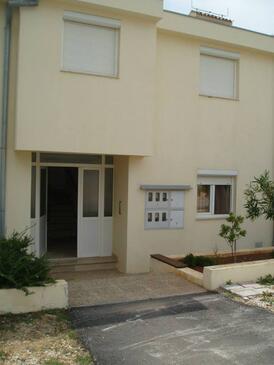 Petrčane, Zadar, Объект 15508 - Апартаменты с галечным пляжем.