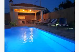 Family friendly house with a swimming pool Kaštel Stari, Kaštela - 15531