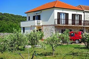 Gornje selo, Šolta, Objekt 15545 - Ubytování s oblázkovou pláží.