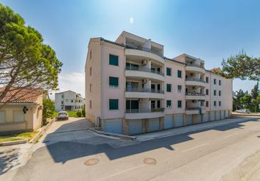 Kaštel Gomilica, Kaštela, Propiedad 15563 - Apartamentos with pebble beach.