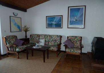 Kaprije, Living room in the apartment, air condition available and WiFi.