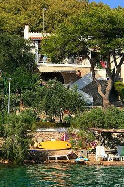 Kaprije, Kaprije, Property 15567 - Apartments by the sea.
