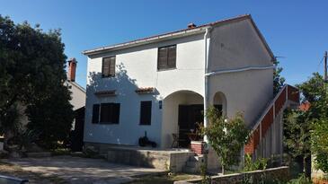 Ugljan, Ugljan, Szálláshely 15613 - Apartmanok kavicsos stranddal.