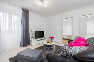 Rijeka, Obývací pokoj v ubytování typu apartment, dostupna klima i WIFI.