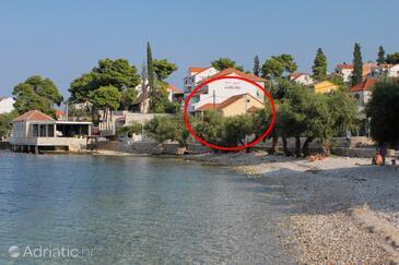 Sutivan, Brač, Property 15617 - Apartments near sea with pebble beach.