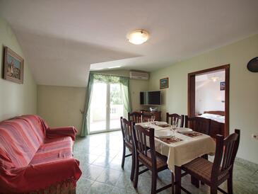 Srima - Vodice, Столовая в размещении типа apartment, доступный кондиционер и WiFi.