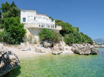 Zaostrog, Makarska, Szálláshely 15623 - Nyaralóház a tenger közelében kavicsos stranddal.