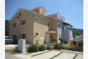 Apartmány s parkovištěm Cres - 15672