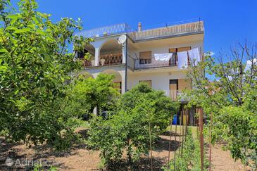 Kaštel Štafilić, Kaštela, Objekt 15675 - Apartmani sa šljunčanom plažom.