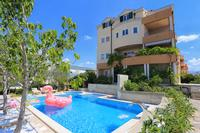 Апартаменты и комнаты с бассейном Split - 15676