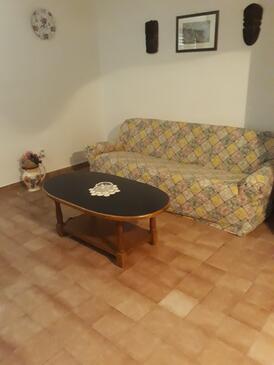 Mirca, Гостиная в размещении типа apartment, доступный кондиционер, Домашние животные допускаются и WiFi.