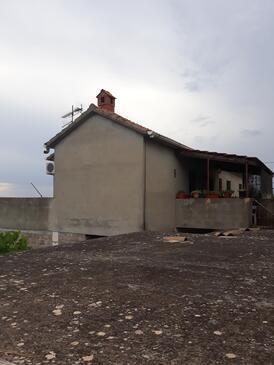 Mirca, Brač, Объект 15683 - Апартаменты с галечным пляжем.