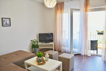 Šmrika, Obývací pokoj v ubytování typu apartment, dostupna klima i WIFI.