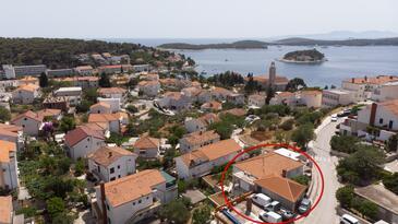 Hvar, Hvar, Hébergement 15706 - Appartements et chambres avec une plage de galets.