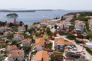 Apartments and rooms with parking space Hvar - 15706