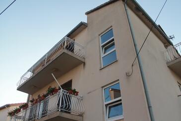 Brodarica, Šibenik, Объект 15708 - Апартаменты с галечным пляжем.