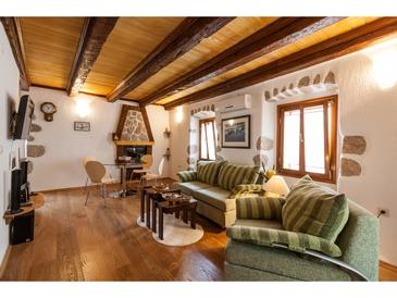 Vrbnik, Living room in the studio-apartment, air condition available and WiFi.