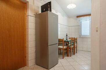 Nemira, Jídelna v ubytování typu apartment, s klimatizací, domácí mazlíčci povoleni a WiFi.