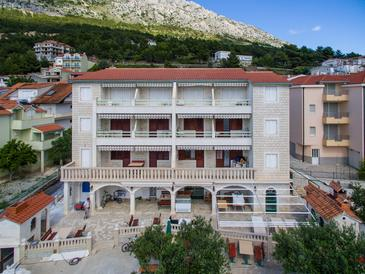 Nemira, Omiš, Property 15727 - Apartments with pebble beach.