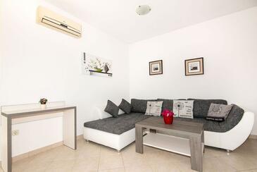 Vinkuran, Obývací pokoj v ubytování typu apartment, dostupna klima i WIFI.