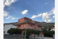 Апартаменты с парковкой Podstrana (Split) - 15743