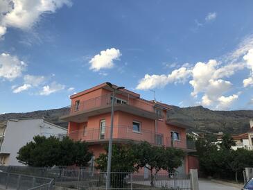 Podstrana, Split, Objekt 15743 - Apartmani sa šljunčanom plažom.