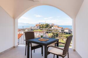 Apartments with a parking space Gradac, Makarska - 15750