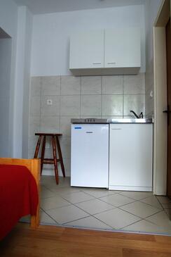 Biograd na Moru, Kuchyně v ubytování typu studio-apartment, WiFi.