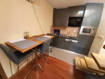 Posedarje, Jídelna v ubytování typu studio-apartment, WiFi.