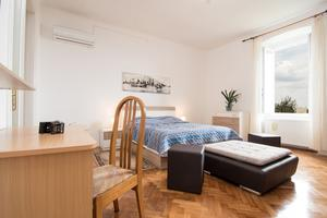 Apartments with WiFi Rijeka - 15844