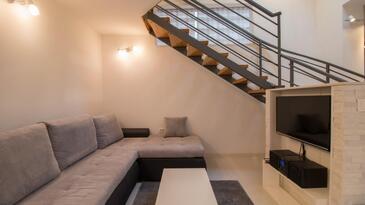 Jušići, Obývací pokoj v ubytování typu studio-apartment, WiFi.