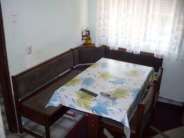 Tisno, Ebédlő szállásegység típusa apartment, légkondicionálás elérhető, háziállat engedélyezve és WiFi .